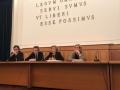 Il rettore Gaetano Manfredi e la dott.ssa Angela Cortese (regione campania) Premiano i vioncitori della VI edizione